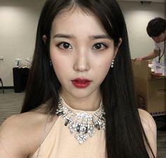 Korean Girl, Asian Girl, Asian Woman, Iu Twitter, Evening Primrose, Korean Actresses, K Pop, Korean Singer, Girl Crushes