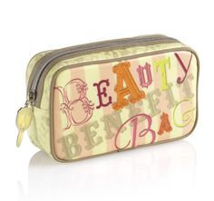The perfect tote for looking stylish wherever you travel. beauty bag | Benefit Cosmetics #shortcut to holiday chic