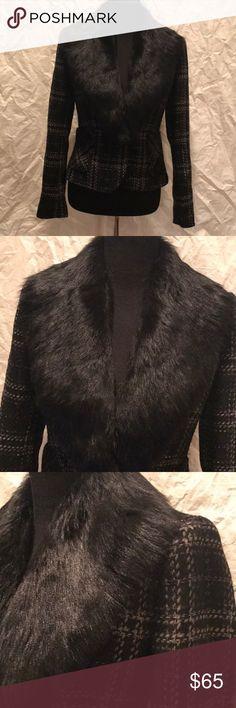 Zara Woman Fur Collar Tweed Blazer GUC - Faux fur - wool blend - Tweed - single button - lined - fitted blazer - black with iridescent threads Zara Jackets & Coats Blazers