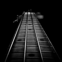Printing Ideas Useful Guitar Art, Cool Guitar, Raven Color, Guitar Photography, Vintage Guitars, Textures Patterns, Black And White Photography, Instruments, Amp