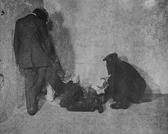 """Nach dem Mord:  Auch dieses Foto entstammt dem grausamen """"Jubiläumsfotoband""""..."""