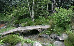 'Welcome to Yorkshire' Artisan Garden won gold at Chelsea Flower Show 2012 - bridge design