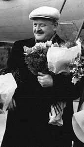 che guevara Nazm Hikmet Ran. Nazm Hikmet Ran. Ernesto Che, World Literature, Young Love, Black And White Pictures, Historian, Love Photography, Image Collection, Historical Photos, Old Photos