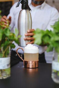 """Ketel One triunfa em três categorias do Drinks International Awards 2021 (Foto: Divulgação)    A vodka Ketel One triunfou nas categorias """"Mais Vendida"""", """"Top-Trending"""" e """"Favorita"""" no Top Ten Bartenders, de 2021, segundo o mais recente Brands Report, da Drinks International, lançado digitalmente na última semana. Este é o nono ano consecutivo em que a Ketel One conquista a posição de """"Mais Vendida"""