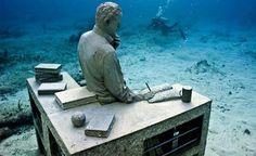El museo subacuático ubicado en el Parque Nacional Costa de Isla Mujeres en Cancún