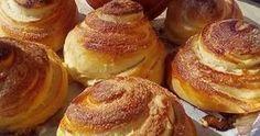 Από τα ωραιότερα αφράτα γευστικά υπέροχα ρολά καραμελωμένης ζάχαρης που θα έχετε φτιάξει !!! ΥΛΙΚΑ -ΣΥΝΤΑΓΗ-ΕΚΤΕΛΕΣΗ : Βάζουμε στο μ... Bread Recipes, Baked Potato, French Toast, Muffins, Food And Drink, Baking, Breakfast, Ethnic Recipes, Crafts