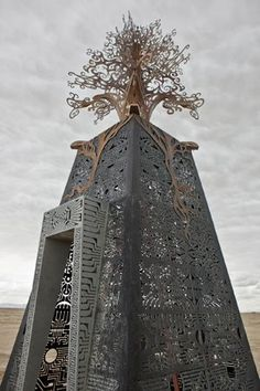 paradis express: Burning Man sculptures 2010