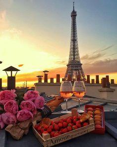 fleurs, macarons et Tour Eiffel