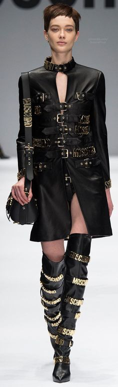 Fall 2014 Ready-to-Wear Moschino