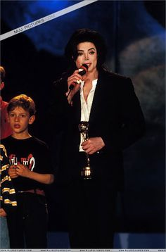The Annual World Music Awards Michael Jackson Story, Michael Jackson Quotes, Paris Jackson, Mjj Pictures, I Call Your Name, You Rock My World, World Music Awards, Cant Stop Loving You, King Of Music