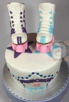 BOLO PATINS - TORTA PATINES - ROLLER BLADES CAKE