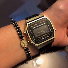 """afc3d6f4493e Punto Vainilla 💛 on Instagram  """"Reloj Casio . . Clásico Negro Dorado .  ⚠️PRECIO POR DM Y O WHATSAPP ⚠ (No damos precios en comentarios muchas  veces se ..."""