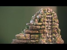 How to Make a Tabletop Waterfall - YouTube http://www.lizard-landscapes.com/