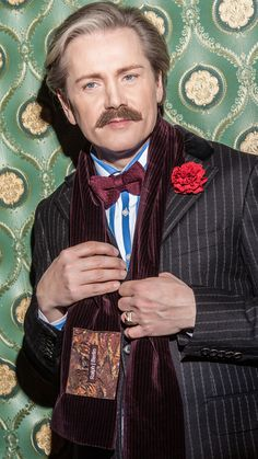 Handmade men's accessories from Berlin. Chap and gent - just get a little dandy!