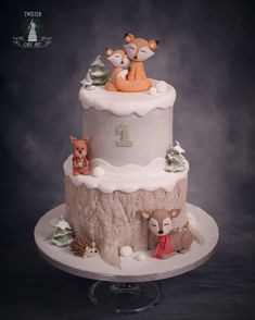 Check out a range of distinct child shower styles for boys. with a snowman diaper cake as the focal point of your winter season baby shower theme. Animal Birthday Cakes, Baby Birthday Cakes, Woodland Theme Cake, Winter Wonderland Cake, Shower Bebe, Baby Shower Winter, Baby Shower Cakes, Themed Cakes, Fox Cake