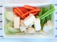 Lunch box z warzywami i sosem serowym – Serki w Kuchni