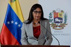 """Venezuela advierte que los periodistas extranjeros no pueden entrar como """"cowboys"""""""
