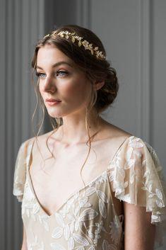 Gold Leaf Headband, Gold Headpiece, Flower Headpiece, Wedding Headband, Bridal Crown, Bridal Headbands, Elegant Bride, Hair Vine, Bridal Flowers