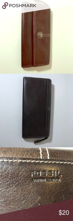Fossil leather wallet. Gently worn, plenty life left in this little Gem! Fossil Bags Wallets