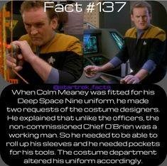 """Dont remember pockets being there"" Star Trek Data, Star Trek Ships, Deep Space 9, Watch Star Trek, Starship Enterprise, Star Trek Universe, Star Trek Voyager, Geek Out, Favorite Tv Shows"