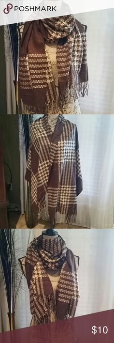 Beautiful Pashmina scarf Wear as a scarf or wrap.   Brown and beige.  100% pashmina Accessories Scarves & Wraps
