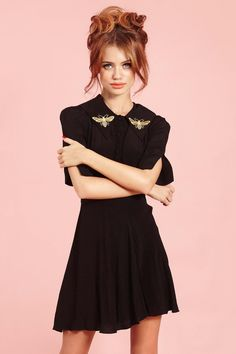 Well hellllllo Clllllarrrice. This Silence of the Lambs inspired dress is made in beautiful black moss crepewith bees embroidered on a large wrap around collar