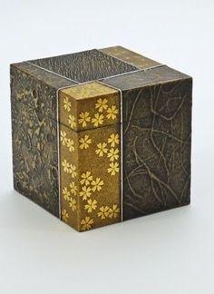 Sayanuri Gold-makie-lacquered box by Shinya Yamamura