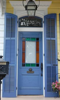 200 Block Of Pelican Avenue In Algiers Point New Orleans Louisiana Cool Doors