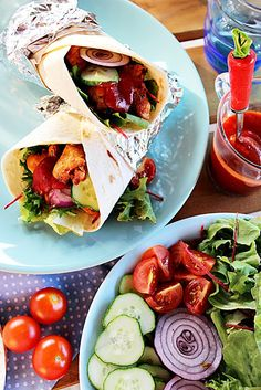 CSIRKE GYROS CSÍPŐS SZÓSSZAL ~ Ketchup, Hamburger, Chili, Tacos, Mexican, Ethnic Recipes, Food, Red Peppers, Chile