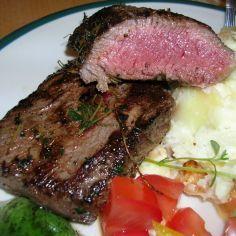 Lampaan ulkofilépihvit - Kotikokki.net - reseptit Steak, Beef, Food, Meat, Essen, Ox, Ground Beef, Yemek, Steaks