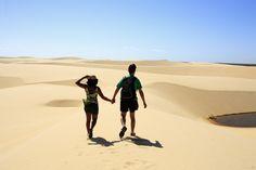 Passeio a dois nos Lençóis Maranhenses Running, Sports, Sidewalk, Brazil, Voyage, Lets Go, Hair, Hs Sports, Keep Running