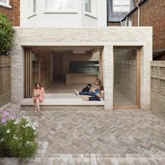 London's ever-escalating house prices, the NLA aim to inspire London residents to improve the homes they are in. Here are the winners of the best home extensions from the 2017 Don't Move, Improve! London Architecture, Residential Architecture, Architecture Design, Building Architecture, Brick Extension, Rear Extension, Glass Extension, Patio Interior, Garage Interior