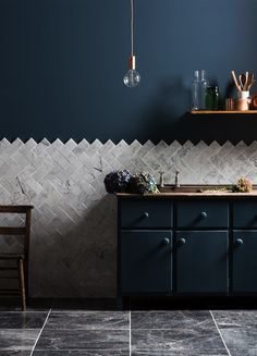 Главная стена кухни – кухонный фартук
