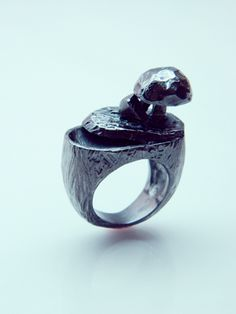 """Fongus"" Ring Brass, rhodium-plated"