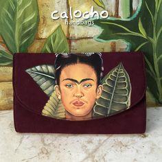 Tu artista favorita ahora te acompaña a tus mejores eventos, no te quedes sin tu cartera de Frida Kahlo y aparta la tuya hoy a calochomillet@gmail.com