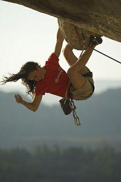 Climbing Outfits, Climbing Girl, Sport Climbing, Ice Climbing, Climbing Workout, Rock Climbing Gear, Mountain Biking, Mountain Climbing, Surf