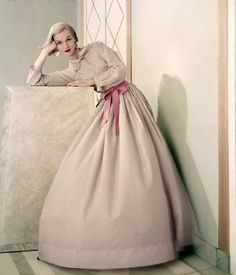 Jean Patchett was a leading fashion americam model of the 1950's.