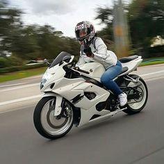 5 Types of Women that Ride Motorcycles (Infographic) Motorcycle Women – girlsbiker Suzuki Gsx R, Lady Biker, Biker Girl, Triumph Motorcycles, Girls On Motorcycles, Motorcycle Women, Female Motorcycle Riders, White Motorcycle, Ducati