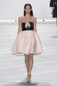 Défilé Monique Lhuillier, prêt-à-porter printemps-été 2015, New York. #NYFW #Fashionweek #runway