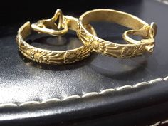 Your place to buy and sell all things handmade Treasure Chest, Flower Decorations, Clip On Earrings, Hoop, Campaign, Rings For Men, Content, Medium, Luxury
