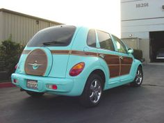 aqua woody - I like the band of color around the tailgate...