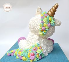 Magic Unicorn Cake - cake by Lara Cakes Boutique - CakesDecor Unicorn Themed Birthday Party, Unicorn Party, Unicorn Birthday Cakes, 80 Birthday, Beautiful Cakes, Amazing Cakes, Mini Cakes, Cupcake Cakes, Unicorn Foods
