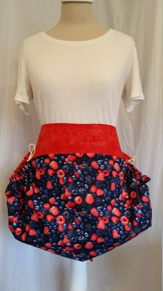 Handmade Black Catch All Apron Server or Clothespin Apron 100/% Cotton One Size,