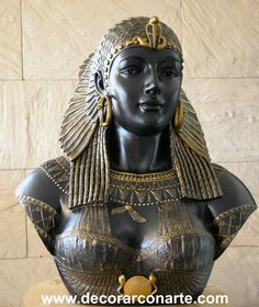 Клеопатра / Cleopatra - Queen of Egypt and the last pharaoh. She was 17 or 18 when she became queen. Cleopatra was a shrewd politician who spoke nine languages. During her reign, Egypt became closely aligned with the Roman Empire. Egyptian Queen, Ancient Egyptian Art, Ancient History, Statues, Queen Cleopatra, Cleopatra Statue, Cleopatra Headdress, Cleopatra History, Cleopatra Beauty