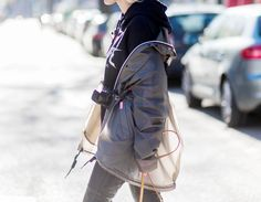 10 Travel Jackets That Arent a Pain to Pack Fall Transition Outfits, Fashion Vocabulary, Leica Camera, Winter Springs, Fashion Room, Autumn Summer, Golf Bags, Chic Outfits, Backpacks