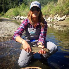 Diy Fishing Bait, Fishing 101, Fishing Girls, Fishing Life, Gone Fishing, Fishing Boats, Walleye Fishing Tips, Bikini Fishing, Fishing Wedding