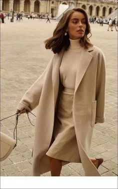 comfortable winter outfits ideas to inspire you 14 ~ thereds.me – Outfits for Work comfortable winter outfits ideas to inspire you 14 ~ thereds. Street Style Outfits, Looks Street Style, Mode Outfits, Looks Style, My Style, Street Style Women, Classy Street Style, Paris Outfits, Daily Style
