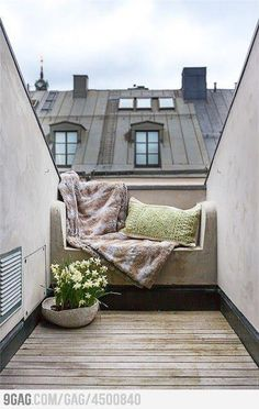 A little place to watch the stars or drink the morning coffee/tea.
