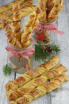 Puff Pastry Recipes, Romanian Food, Dough Recipe, Antipasto, Party Snacks, Cooking Time, Holiday Recipes, Sausage, Deserts