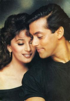 Madhuri Dixit & Salman Khan Bollywood Funny, Bollywood Couples, Vintage Bollywood, Bollywood Actors, Shahrukh Khan And Kajol, Ranveer Singh, Salman Khan, Madhuri Dixit, Indian Actresses